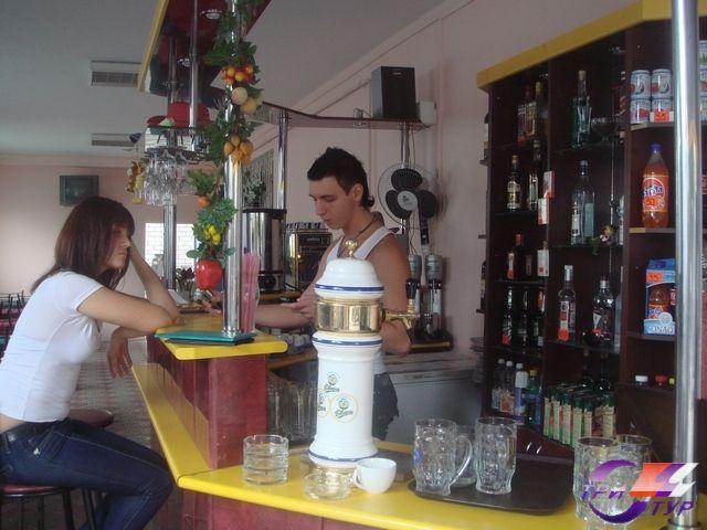 кафе гостиницы на 1-ом этаже